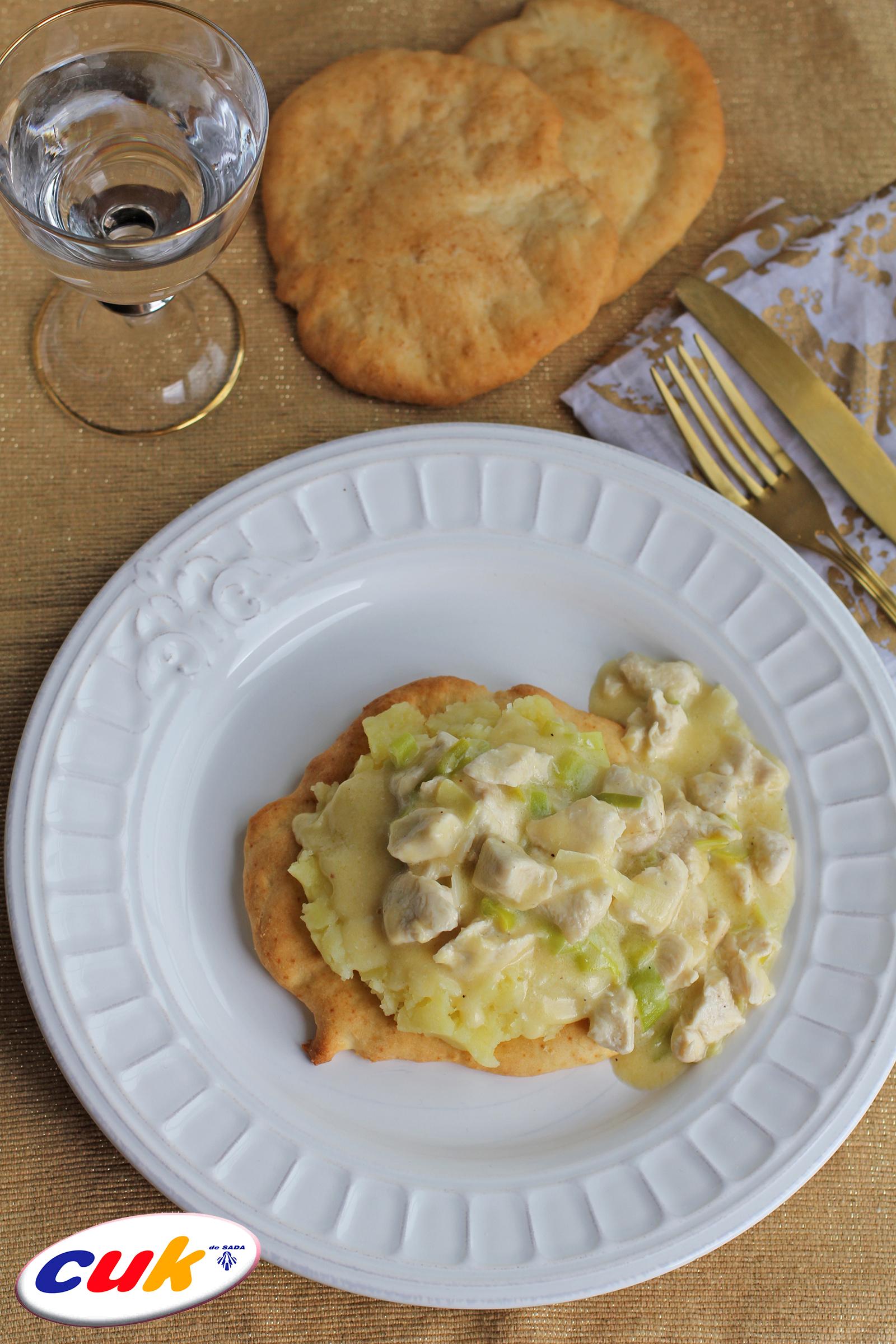 Receta de pollo cuk cremoso sobre galleta y patata - Pure de patatas cremoso ...